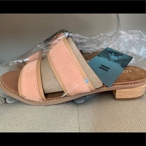 Toms coral pink suede mariposa sandal size 8